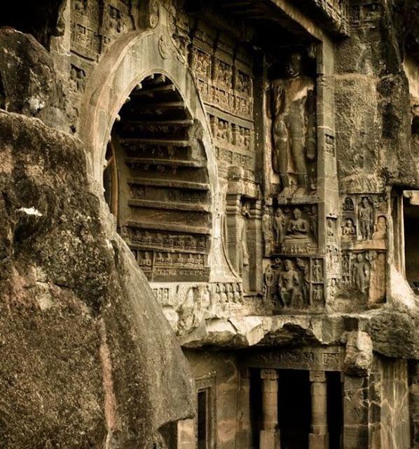 مغارات إلورا في الهند Ellora Caves Maharashtra India