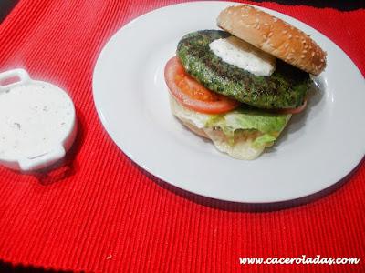 hamburguesa de pollo y espinacas