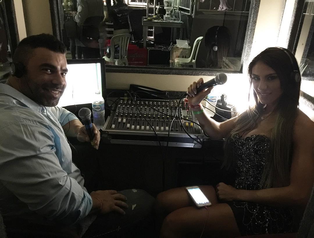 Eduardo Corrêa e Carol Saraiva transmitem ao vivo a final do Arnold Classic Brasil 2016. Foto: Reprodução