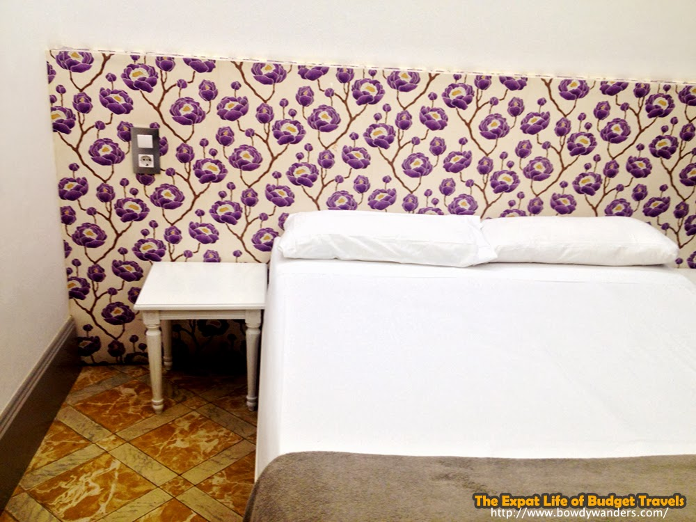 bowdywanders.com Singapore Travel Blog Philippines Photo :: Spain :: Casa Gracia Hostel - A Top-Notch Hostel Experience in Spain That Costs Little