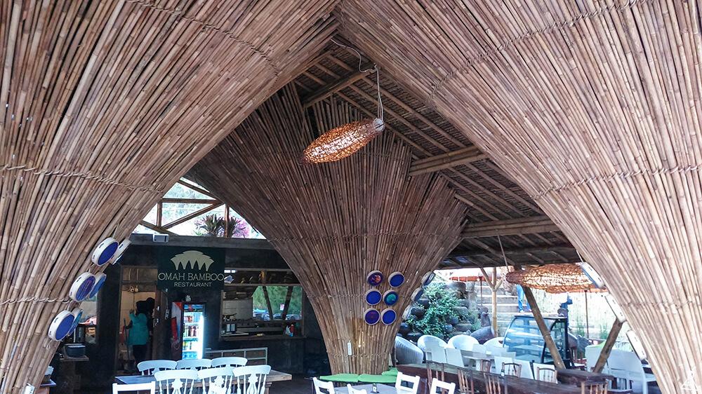 Wahana Hot Air Balloon di The Lodge Maribaya Bakal Bikin Kamu Ngebet Liburan ke Bandung