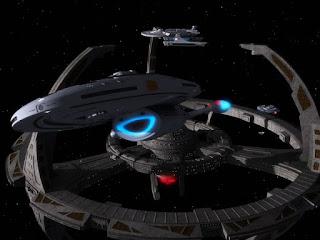 La USS Voyager lascia la stazione spaziale Deep Space Nine- TG TREK: Notizie, Novità, News da Star Trek