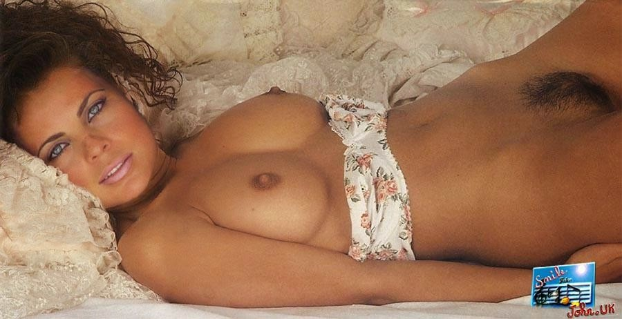 Yasmine Bleeth Nude Photos 56