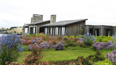 Jardín naturalista junto al lago Ranco en Chile