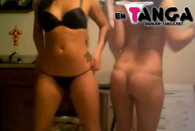 2 Chicas En Tanga bailando sexy