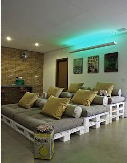 Desain ruang tamu sederhana yang unik