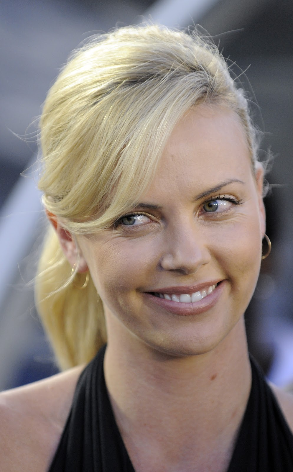 a new life hartz Charlize Theron Different Hairstyle