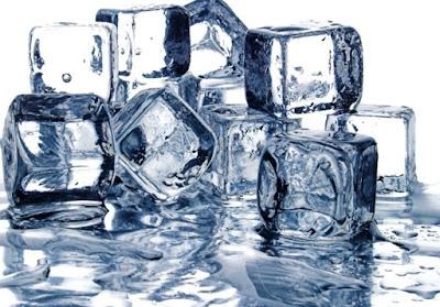 Ternyata Es Batu Bermanfaat Untuk Kecantikan