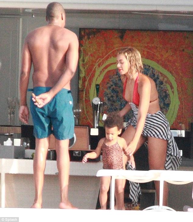 Welcome To Linda Ikejis Blog Beyonce And Papa Jay Z -9708