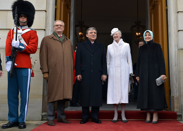 President Gül and First Lady Hayrünnisa Gül proceeded to the Amalienborg Palace.