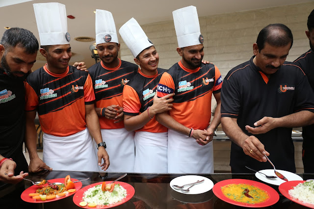 U Mumba test their cooking skills ahead of the fifth edition of the Vivo Pro Kabaddi League