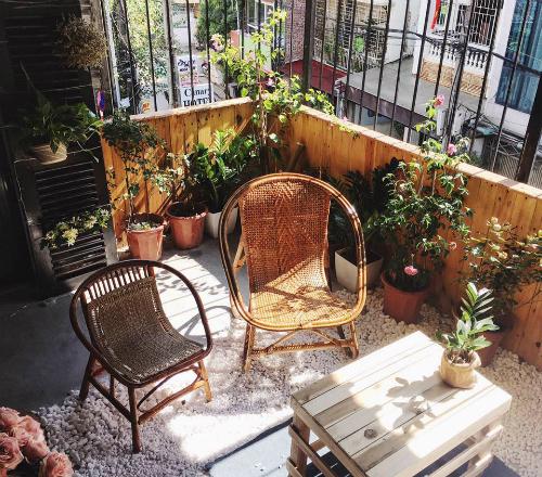 Ba quán cà phê chung cư thu hút giới trẻ ở Hà Nội