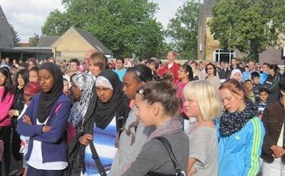 ΔΑΝΙΑ: Τα μεσα ενημερωσης αναγκαστηκαν να παραδεχθουν οτι οι μεταναστες εχουν καταστρεψει τα σχολεια