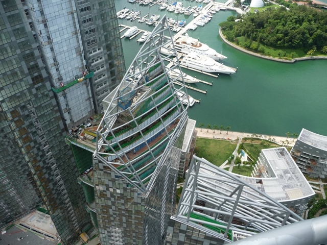 Looking down from the roof of Reflections at Keppel Bay by Studio Daniel Libeskind