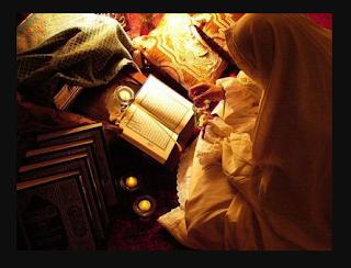 hukum memegang al-qur'an ketika sedang haid