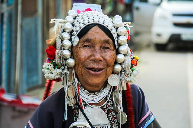 imagen de una mujer nativa americana