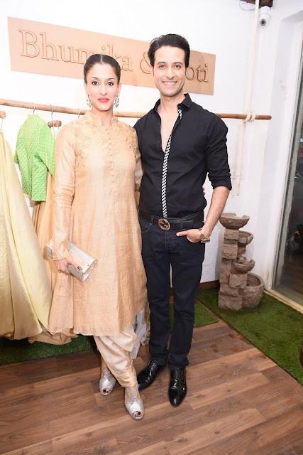 12. Apoorva & Shilpa Agnihotri