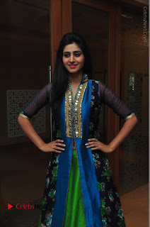 Actress Model Shamili Sounderajan Pos in Desginer Long Dress at Khwaaish Designer Exhibition Curtain Raiser  0049.JPG