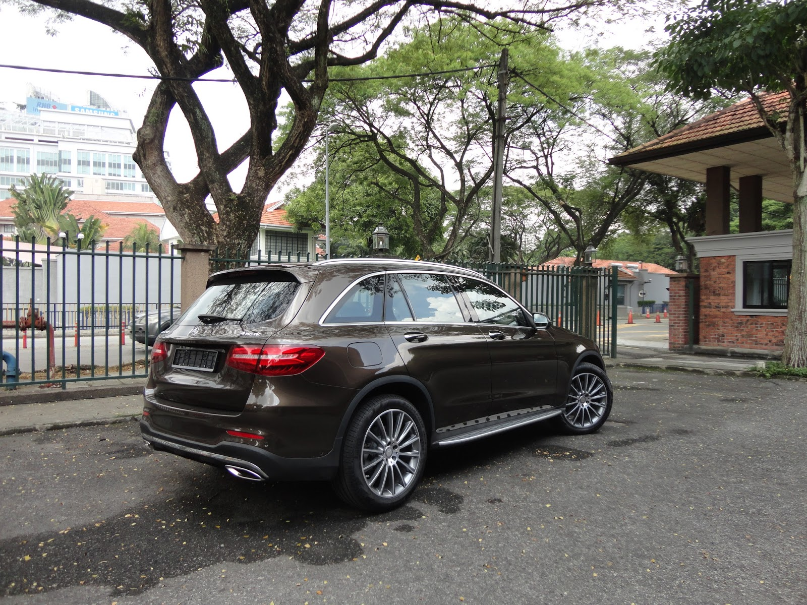 motoring malaysia short test drive mercedes benz glc 250 4matic. Black Bedroom Furniture Sets. Home Design Ideas
