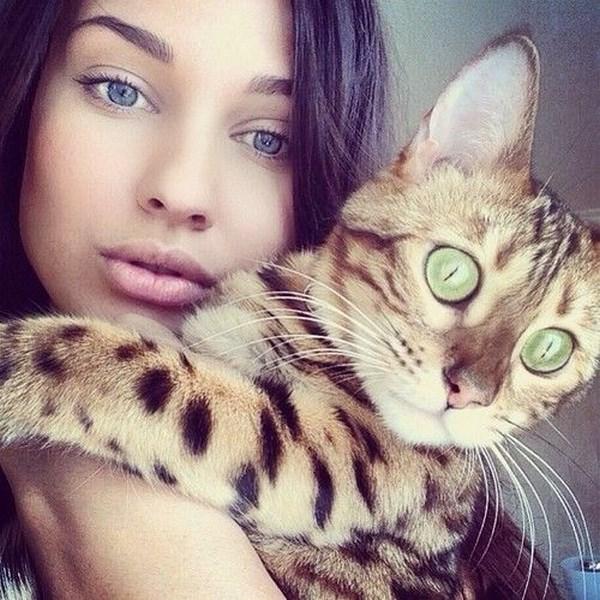 صور خلفيات بنات مع صور لقطط جميلة كيوت جديده 2018