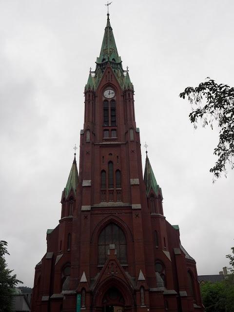 Johanneskirken, kostel, Bergen, Norsko, stropy ze dřeva, architektura