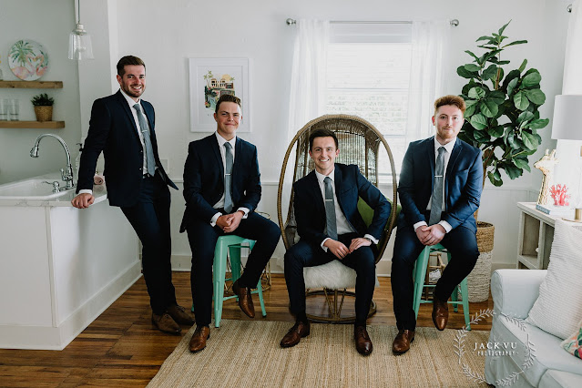 groomsmen laid back pose