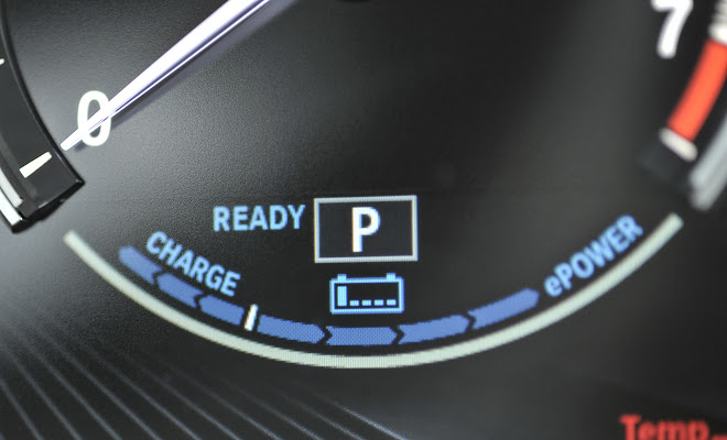 BMW X5 xDrive40e battery gauge