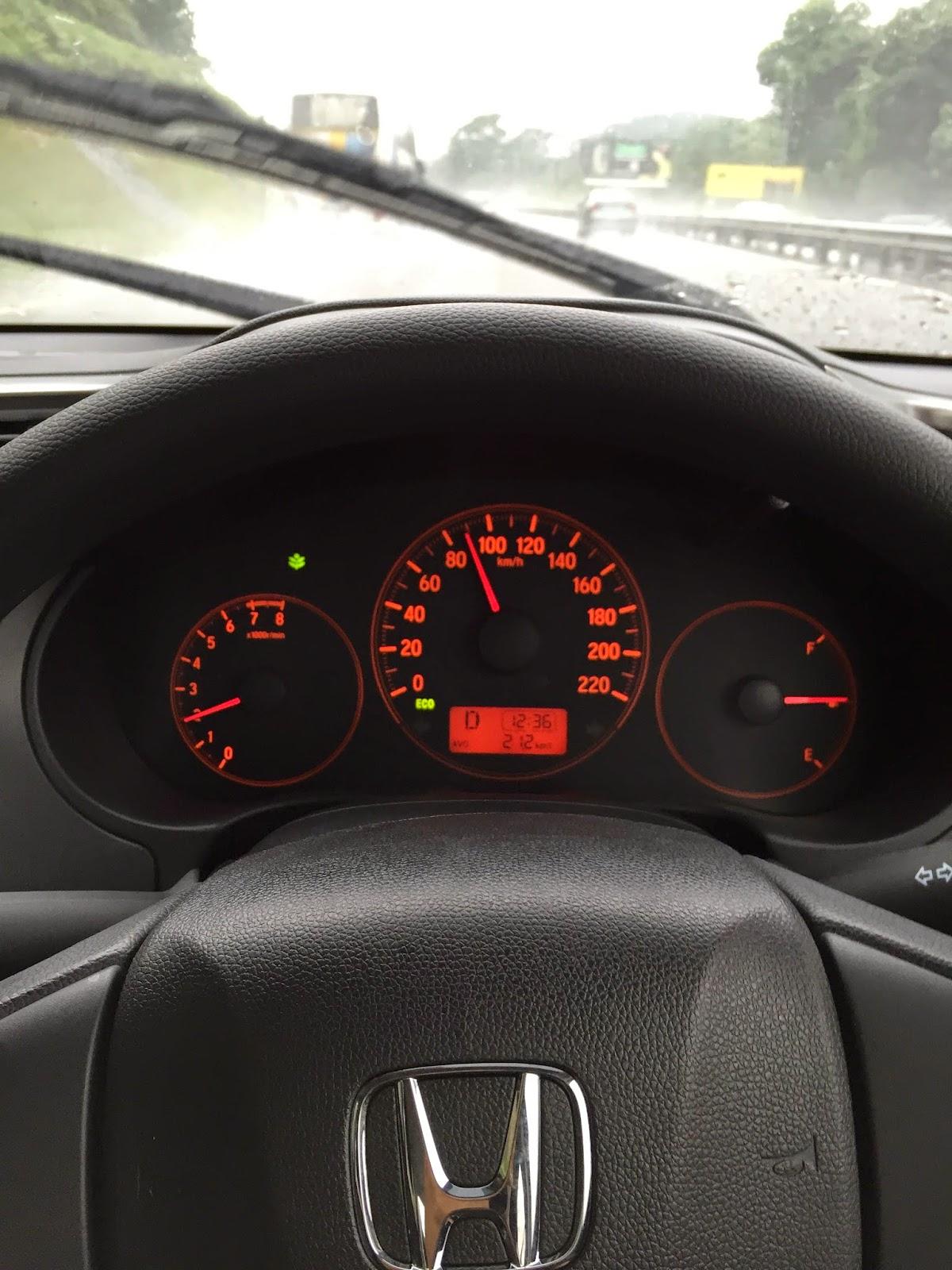 Honda City sewa KLIA KLIA2 Sepang Nilai