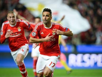 Benfica rayakan goll, UCL