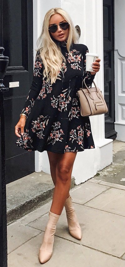 awesome outfit idea / floral dress + nude boots + bag