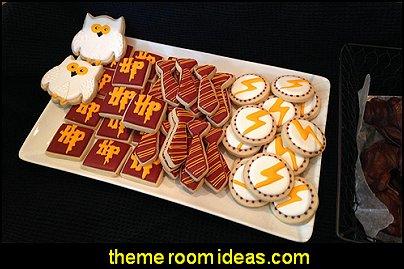 Owl Cookie Cutters  Harry potter themed bedrooms - Harry Potter Room Decor - Harry Potter Bedroom Ideas - Harry Potter  bedding - Harry Potter wall decals - Harry Potter wall murals - harry potter furniture - harry potter party supplies - castle decorating props - harry potter party decorations