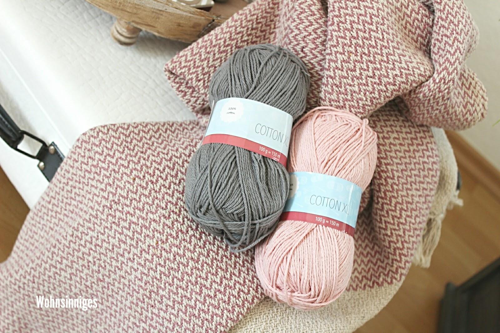 Wolle In Rosa Und Grau Darf Auch Nicht Fehlen : ) Mal Sehen Was Ich Daraus  Stricke, Vielleicht Ein Schönes Kissen.