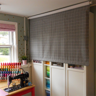 Easy DIY roll-away design wall tutorial by Sew at Home Mummy