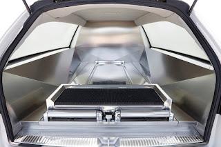 Intérieur de la limousine Duat
