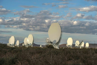 Sud-àfrica presenta un super telescopi de ràdio