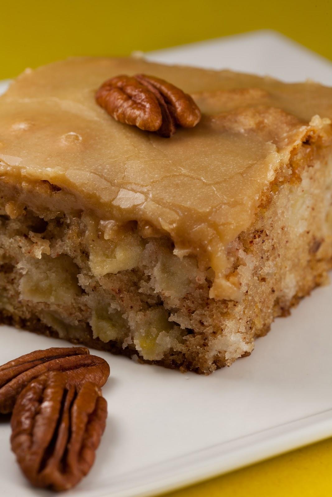 Kruizing With Kikukat Feels Like Fall Fresh Apple Cake