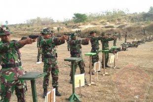 479 Prajurit Kodim Madiun Latihan Menembak