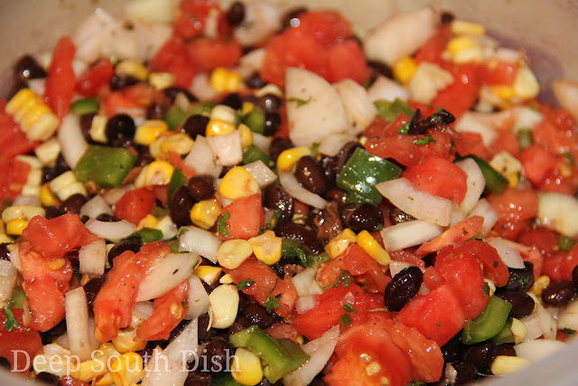 Garden Fresh Salsa, made with juicy tomatoes, sweet Vidalia onions, crisp sweet garden bell peppers, spicy fresh jalapeno, sweet corn on the cob and fragrant garden cilantro.