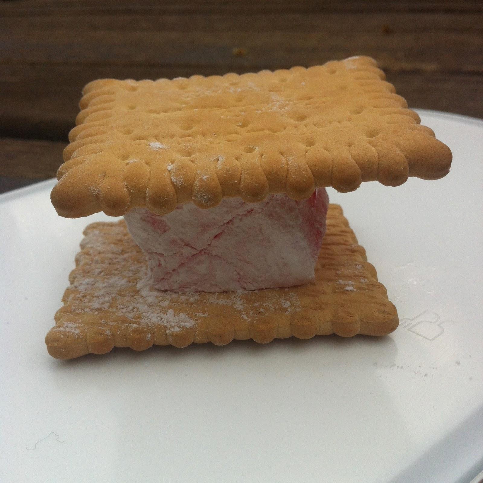 μπισκότα και λουκούμια