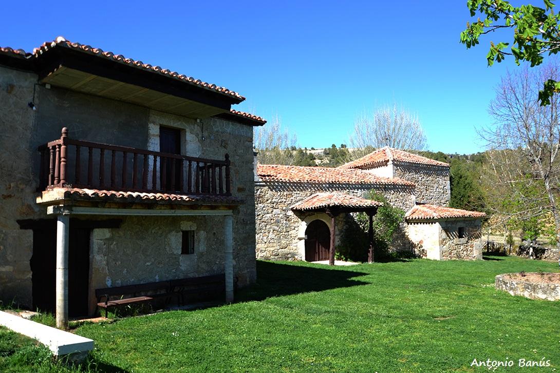 APRENDIENDO CON LA VISTA: Arquitectura popular: el porche de una ermita