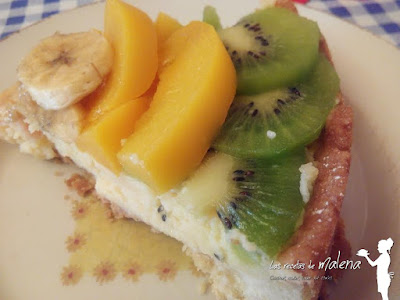Tarta de crema con frutas de temporada