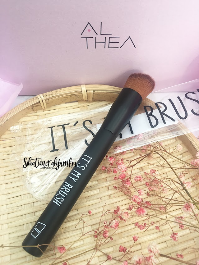 Review | It's My Brush Angle Foundation Brush
