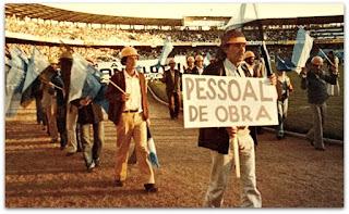 Trabalhadores que Concluíram a Construção do Olímpico Monumental (21.06.1980)