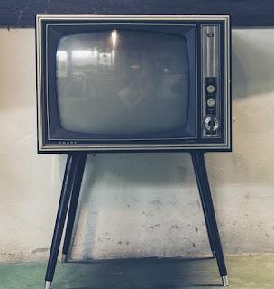 Begini Caranya Memperbaiki Layar TV Rusak dan Mengecil