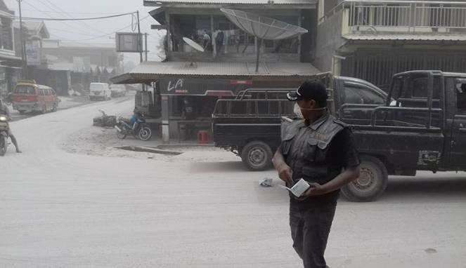 Kumpulan Foto-Foto Erupsi Gunung Sinabung, 2 Agutus 2017