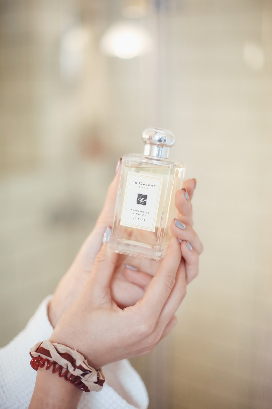 jo malone honesuckle and davana perfume