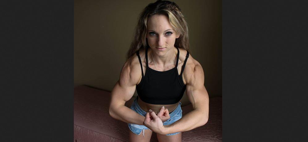 Video Female bodybuilding workout Biceps Peaks