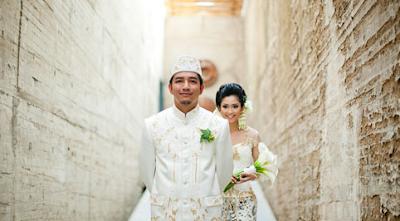 Jalan Bareng Udah Senang? Satu-satunya Bukti Cinta Itu Pernikahan Bukan Pacaran