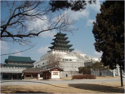 พิพิธภัณฑ์พื้นบ้านแห่งชาติเกาหลี (National Folk Museum of Korea)
