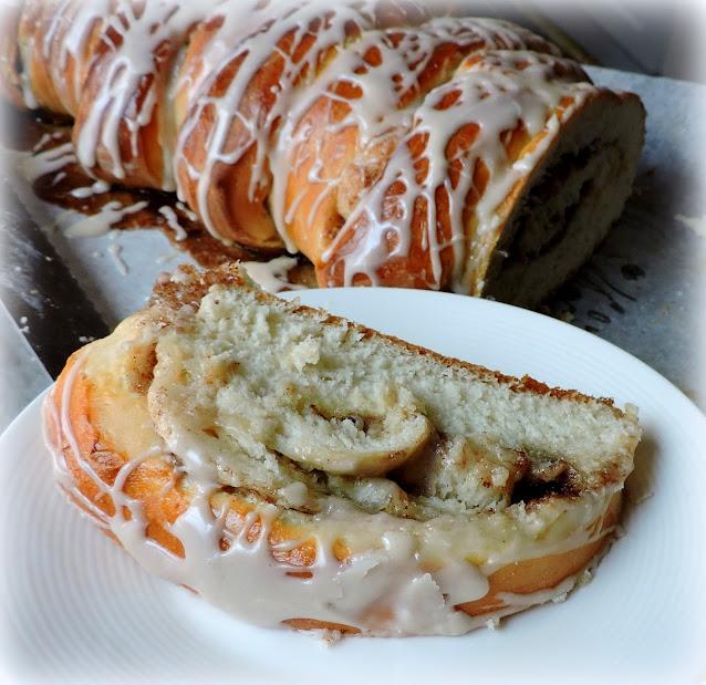 Pull Apart Cinnamon Roll Bread